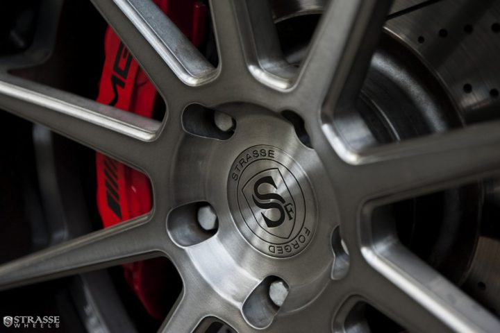 Strasse-Wheels-Mercedes-Benz-G63-AMG-22-R10-Deep-Concave-Wheels-9