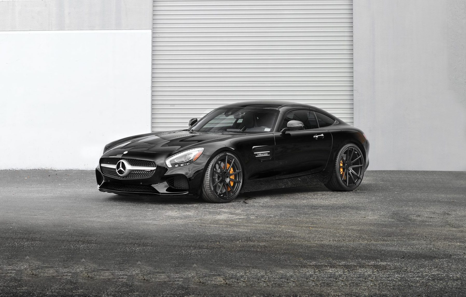 Mercedes benz amg gt s the perfect look strasse wheels for Mercedes benz amg rims