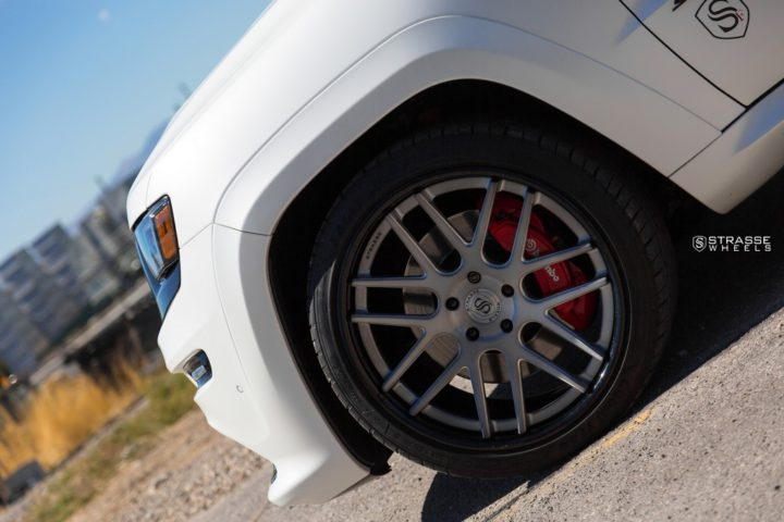 "Strasse Wheels - Jeep Grand Cherokee SRT - 22"" SM7 Deep Concave Wheels 3"